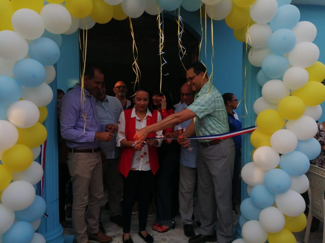 Director del Servicio Regional de Salud Cibao Central entrega Centro de Primer Nivel completamente remozado en la comunidad El Naranjal, provincia La Vega