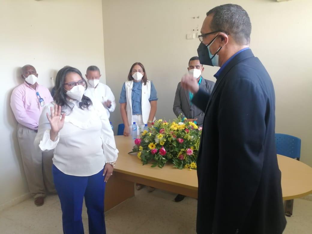 Doctor Rafael Collado posesiona directora del  Hospital de jima .